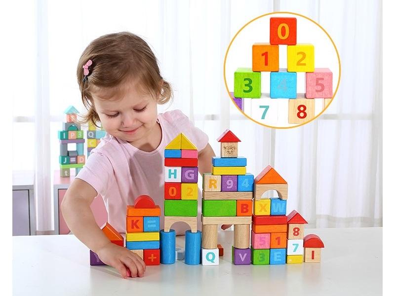 Fa építőkocka készlet - 70 darabos színes és natúr - Tooky Toy