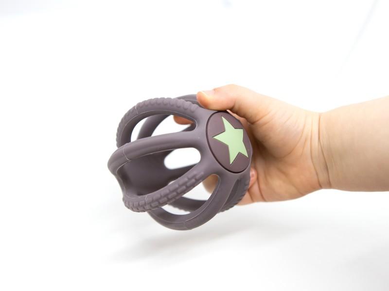 Fejlesztő szilikon labda babáknak - Magni