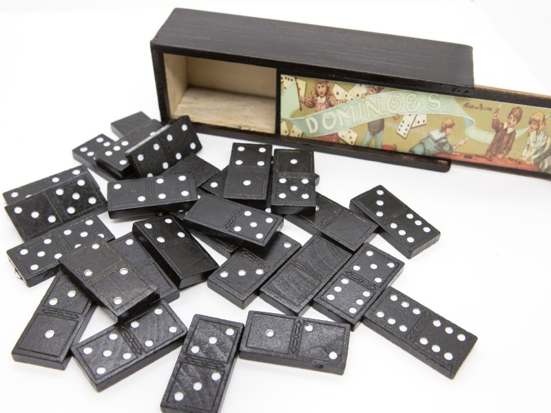 Domino játék fa dobozban - Magni