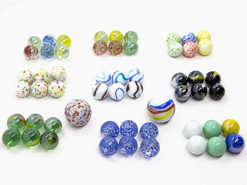 Üveggolyó játék készlet - 56 darab - Buki